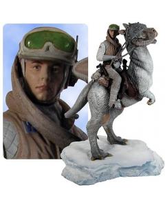 Gentle Giant Statue Luke Skywalker on TaunTaun